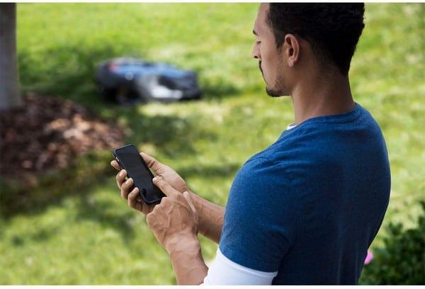 robo mower phone tablet control